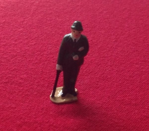 HORNBY PRE-WAR O GAUGE 3B Businessman (Green suit)